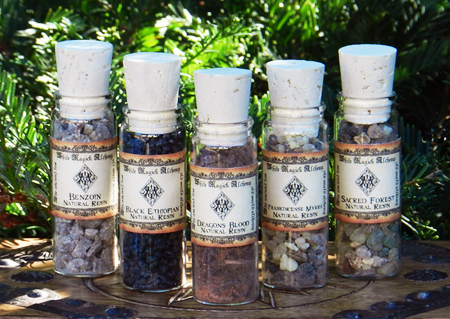 resin-dragons-blood-frankincense-wicca.jpg