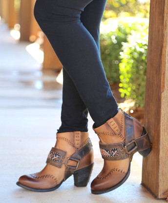 Lane for Double D Ranch Cordero Rizado Tan Boots DD9046A Picture