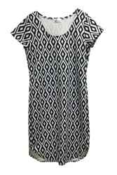 PLUS SIZE Dress. Black & White Diamond Geo Pattern.