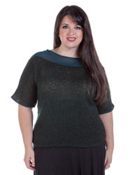 Plus Size Top with Knit & Chiffon Colorblock Pattern!