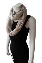 WARM & COZY KNITTED INFINITY SCARF! OATMEAL.