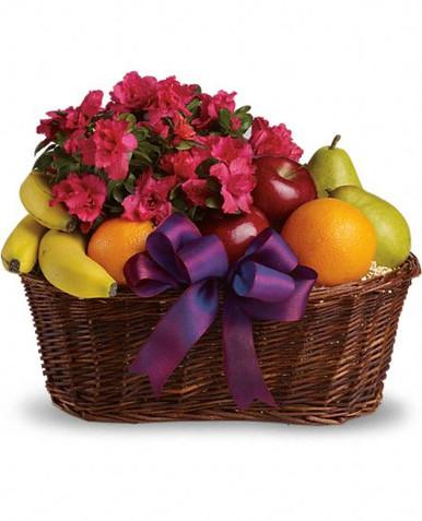 Blooms and Fruit Basket Sweden nationwide delivery.