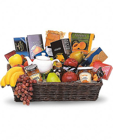 Send in sweden a gourmet basket with chocolates and many more, one of our best seller gift sweden.
