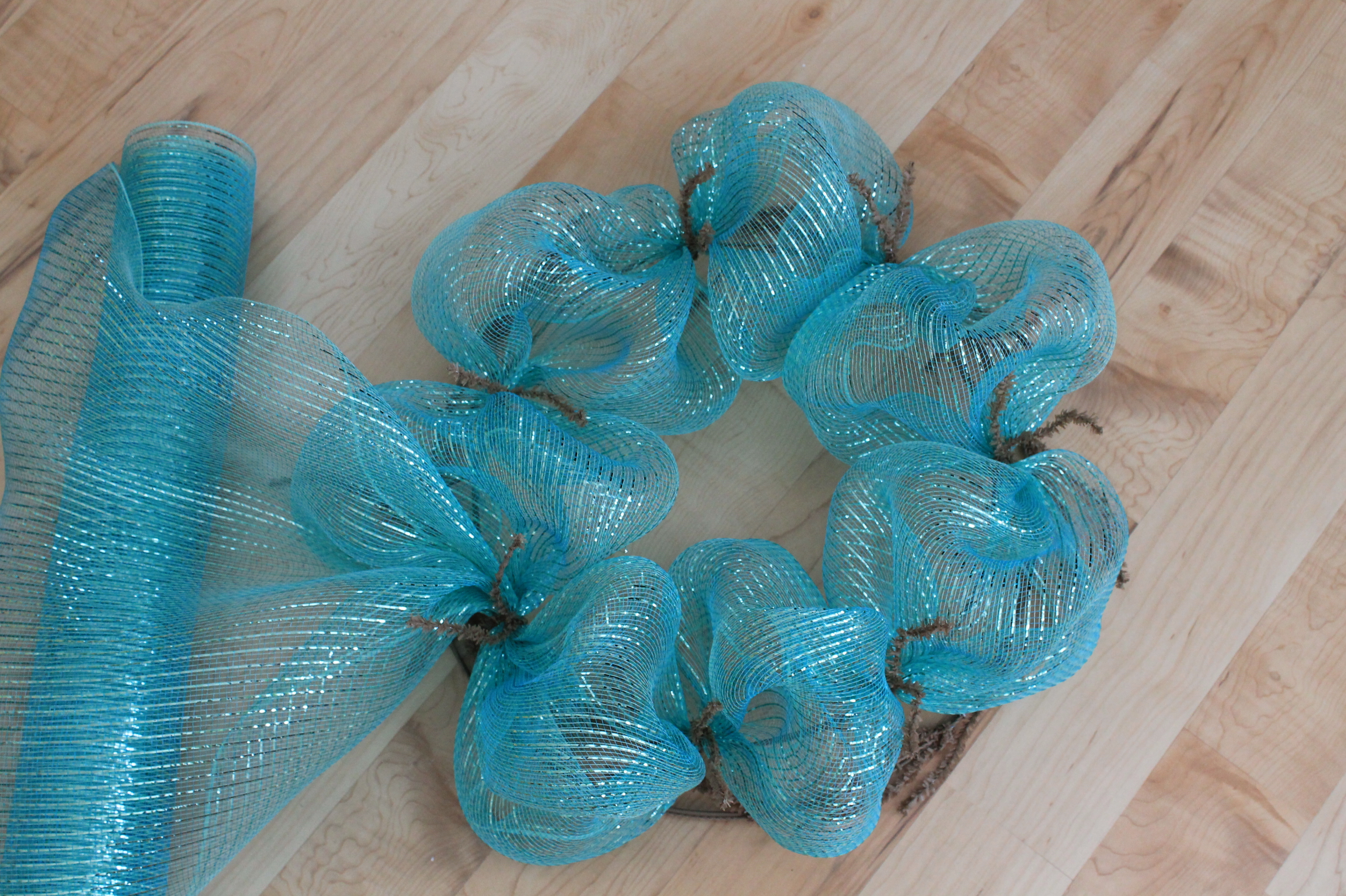 Diy Mesh Beach Theme Starfish Wreath The Wreath Depot
