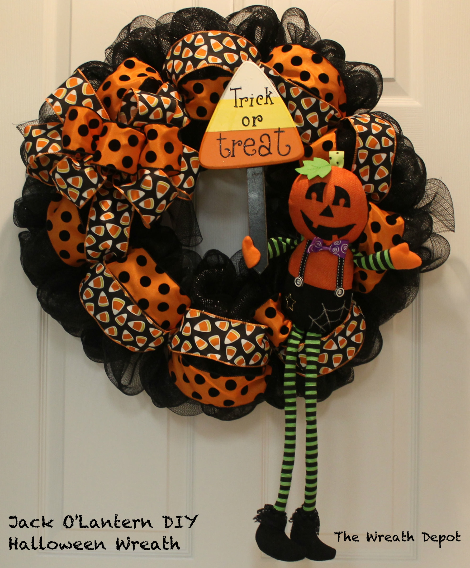 DIY Mesh Waving Jack OLantern Halloween Wreath