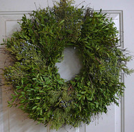 Bridgeport Boxwood Holiday Wreath - 22 inch