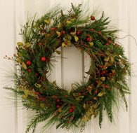 Saranac Evergreen Holiday Artificial Christmas Door Wreath 22 in