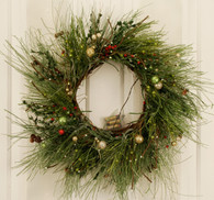 Holiday Flair Lighted LED Artificial Christmas Door Wreath 22 in
