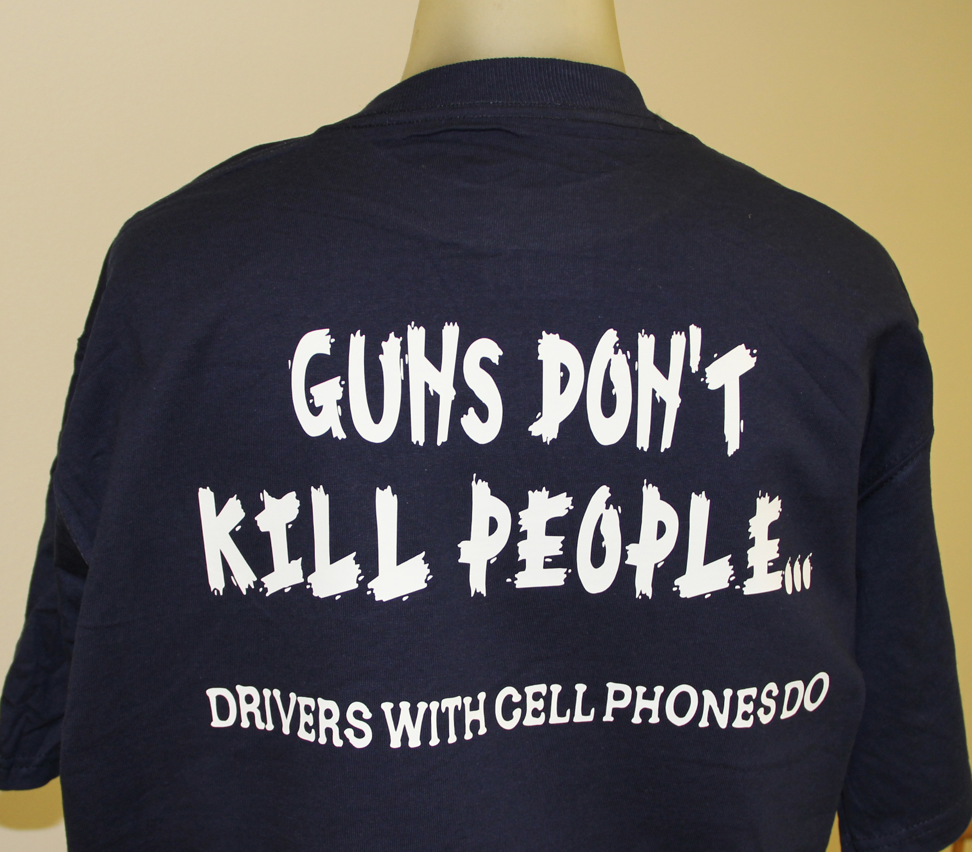 guns-dont-kill-people-drivers-with-cell-phones-do-shirt.jpg