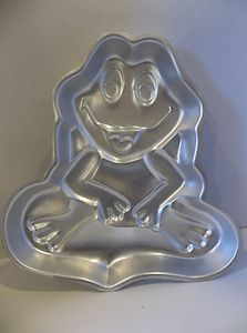 toad or frog cake pan
