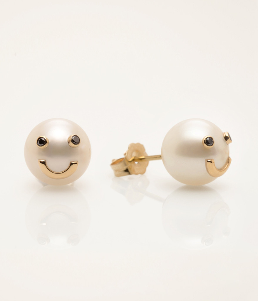 Side View Of Cultured Freshwater Pearl Earrings With Smiley Emoji In 14k  Gold & Black Diamond