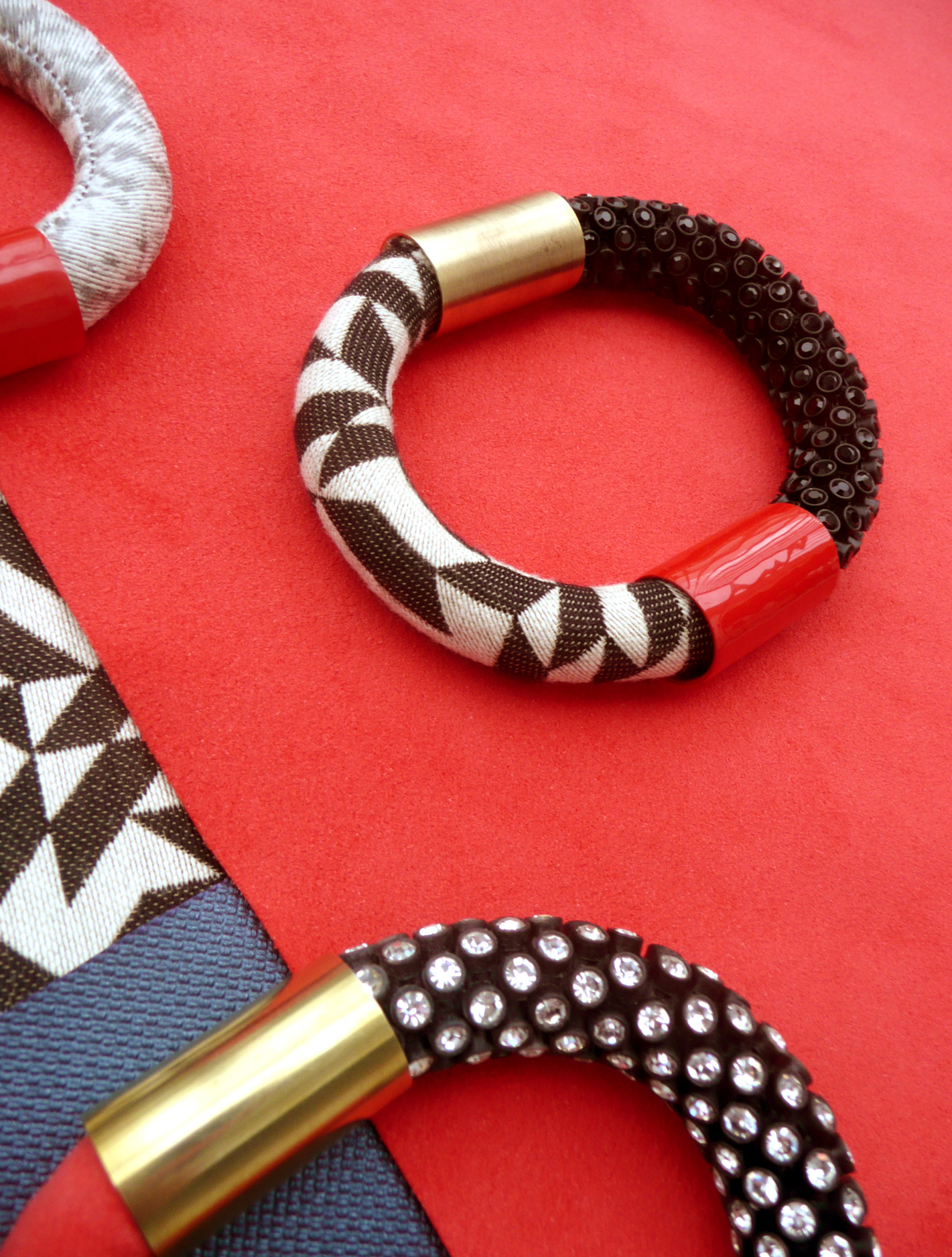 Knoll Textiles Jewelry Collection by Nektar De Stagni
