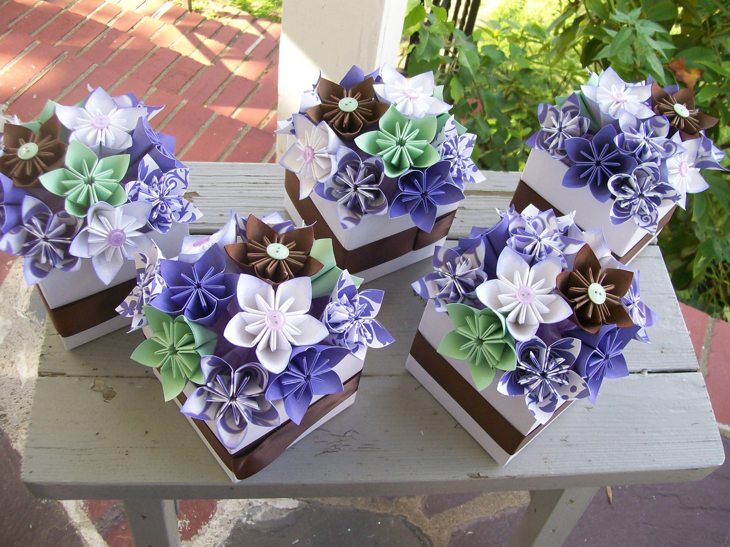 Liven Your Look And Save Money With Do It Yourself Wedding Centerpieces Mywedstyle Com