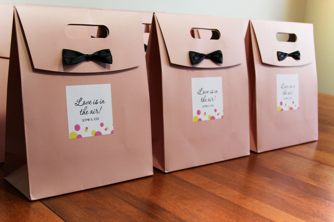 8 Ways to Surprise and Delight Your Wedding Guests - MyWedStyle.com