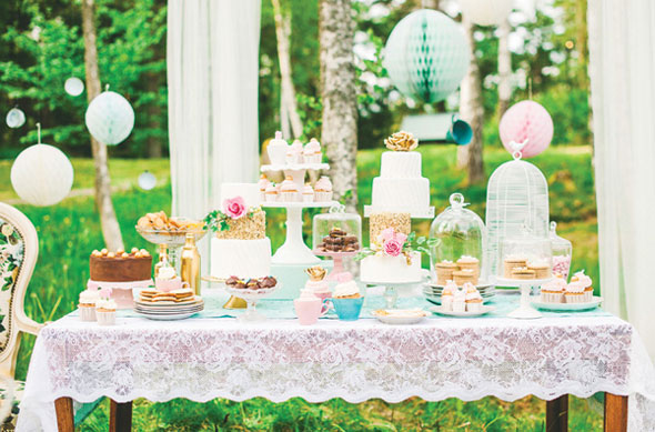The 7 biggest wedding trends for 2016 mywedstyle big wedding favors more brides are contributing a larger slice of their budget to favors than in previous years couples will continue to opt for larger junglespirit Gallery