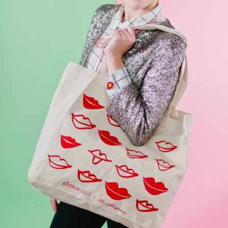 Lips in a Row Tote Bags
