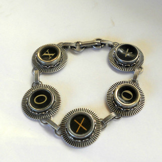 XO Hugs and Kisses Bracelet