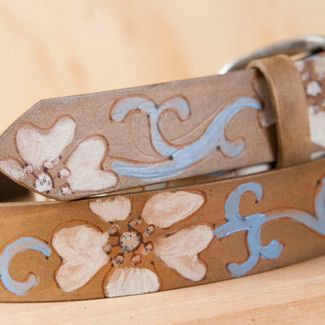 Leather Belt with Flowers Lynn Pattern
