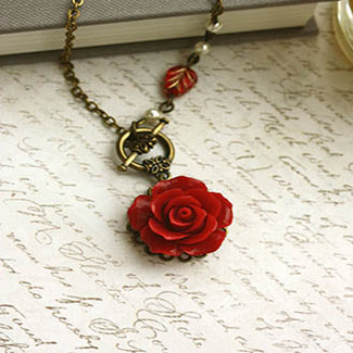 Red Romantic Rose Flower Ivory Pearl Necklace