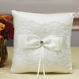 French Lace Ring Pillow