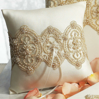 The Luxe Ring Pillow
