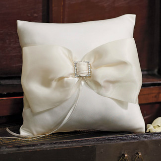 Dutchess Ring Pillow