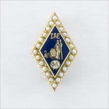 ΣAE Crown Pearl Badge
