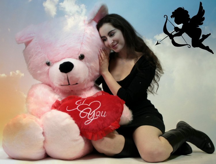 Celebrate Valentine's Day 2015 with a Giant Teddy Bear from BigPlush.com