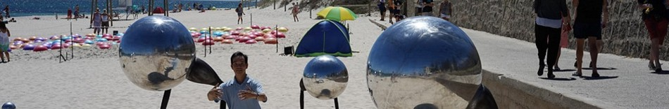 1-tai-chi-with-sculptures-in-the-beach-of-western-australia.jpg