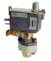 Barksdale Series C9612 Sealed Piston Pressure Switch, Housed, Single Setpoint, 125 to 1500 PSI, C9612-2-W36