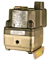 Barksdale DPD1T Diaphragm Differential Pressure Switch, Housed, Single Setpoint, 0.4 to 18 PSI, HDPD1T-AA18SS