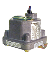 Barksdale Series D3H Diaphragm Pressure Switch, Housed, Triple Setpoint, 0.4 to 18 PSI, D3H-AA18SS