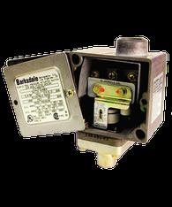 Barksdale Series E1H Dia-Seal Piston Pressure Switch, Housed, Single Setpoint, 25 to 500 PSI, E1H-H500-Z1