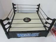 "MATTEL 2010 WWE WRESTLING RING WRESTLEMANIA 13"" L235"