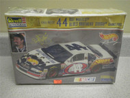 NEW MODEL- REVELL- 4136 KYLE PETTY #44 GRAND PRIX- 1:24 SCALE- NEW- W55