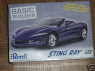 NEW REVELL 0851 STING RAY III 1/25TH SCALE MODEL- W56