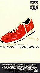 L44 THE MAN WITH ONE RED SHOE TOM HANKS CBS FOX 1985 USED VHS TAPE