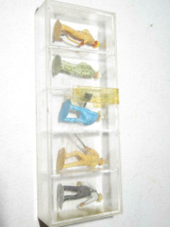 HO TRAINS- VINTAGE AHM 6004 PAINTED FIGURES (WORKING) - D - GERMANY- NEW- S31B