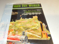 ANTIQUE TOY WORLD MAGAZINE- APRIL 2016- NEW- W4
