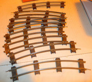 AMERICAN FLYER - POST-WAR - 8 SECTIONS OF CURVE TRACK - GOOD