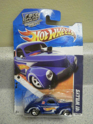 HOT WHEELS- '41 WILLYS- HW RACING- NEW ON CARD- L47