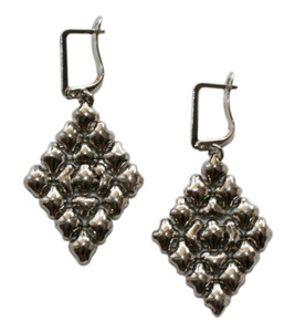 Earrings style, E15