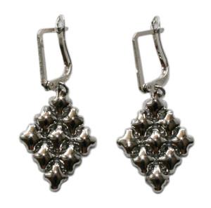 Earrings style, E11
