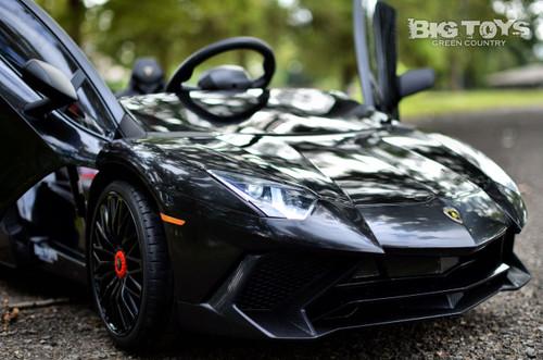 Big Toys black Lamborghini RC radio controlled kids Ride On super car with vertical doors