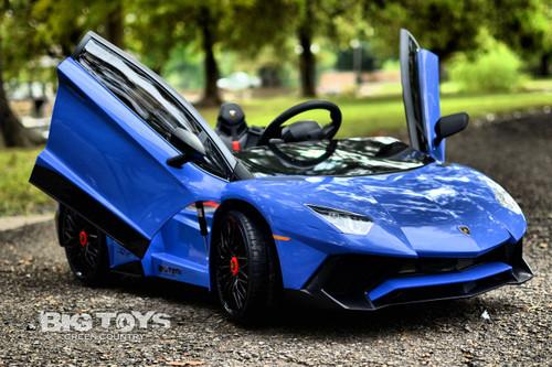 Big Toys blue Lamborghini RC radio controlled kids Ride On super car with vertical doors
