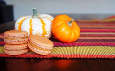 Pumpkin Pie Macaron