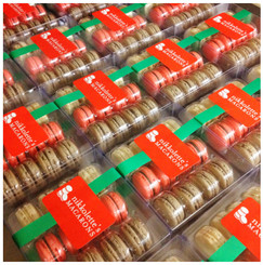Holiday Collection - 12 French Macarons