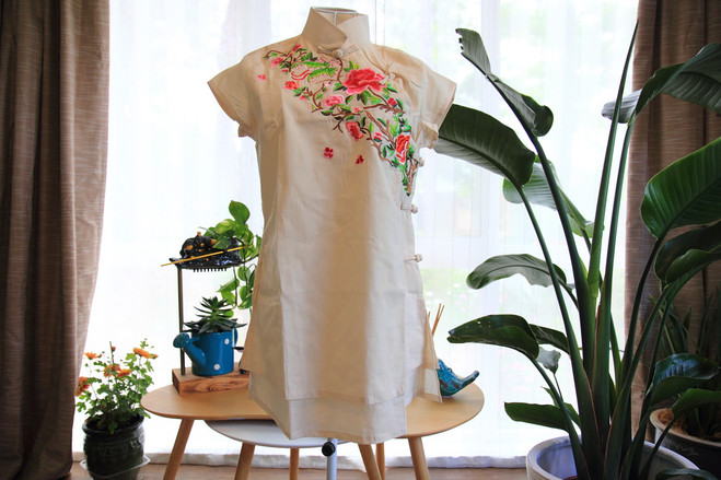Embroidered qipao inspired short sleeve top (cream)