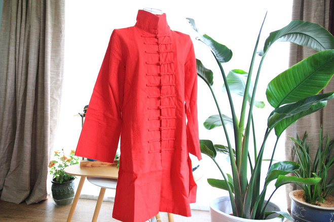 Red cotton woman's coat with Mandarin buttons