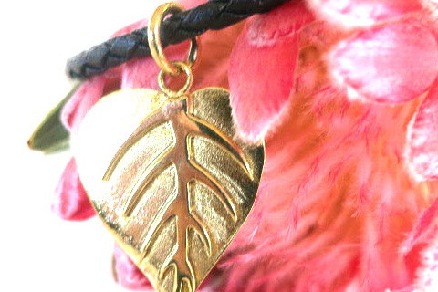 fair trade ethical recycled jewellery leaf necklace
